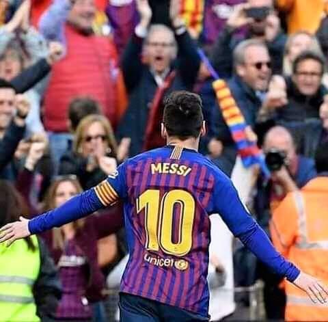 Legjenda e Barcelonës: Nuk do të shohim kurrë më ndonjë lojtar si Messi
