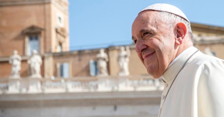 Papa Françesku e fillon vizitën apostolike në Bullgari dhe Maqedoninë e Veriut