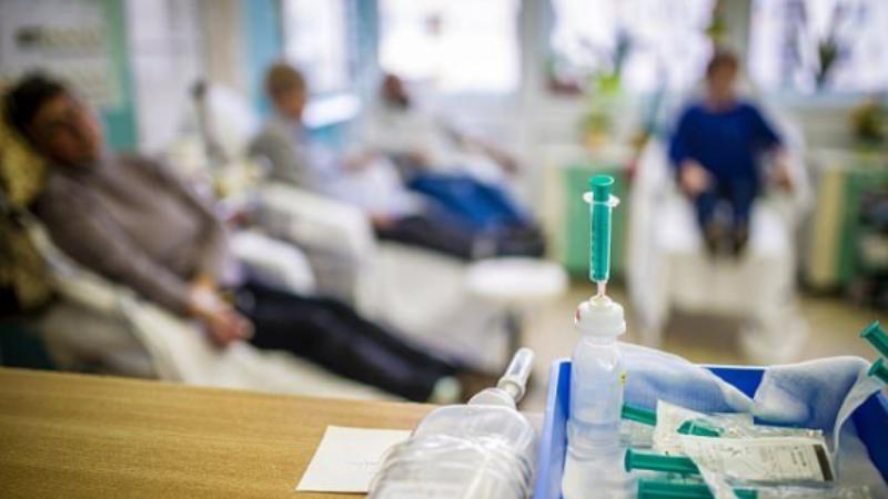 Pacientët nuk vdesin nga kanceri, por nga kimioterapia