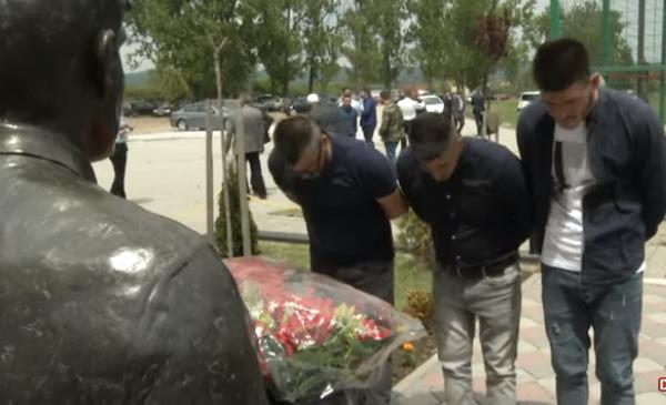 Djali i dëshmorit thotë se u detyrua të ikte nga Kosova pasi s'mori mbështetje nga shteti