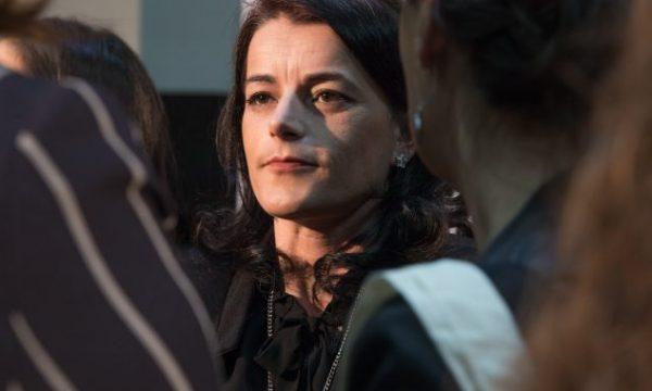 Vasfije Krasniqi shkruan pas dëshmisë në Kongresin Amerikan