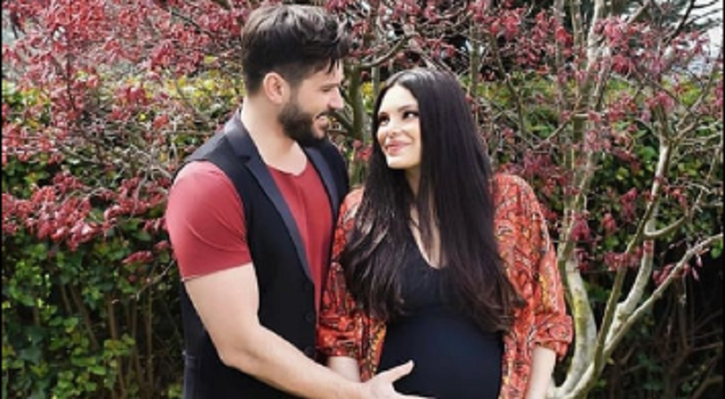 Publikohet foto e parë e çiftit Sayisman së bashku me foshnjën