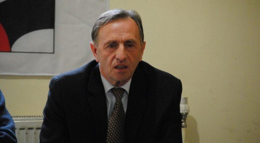 Azemi: Punëtorët e Kosovës në gjendje të rëndë, kanë arsye që po ikin