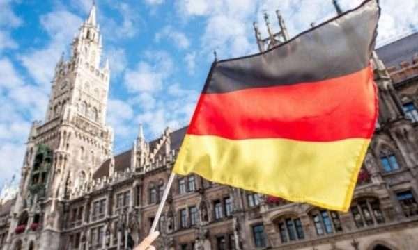 Gjermania, e gatshme të marrë çerekun e emigrantëve që mbërrijnë në Itali me varka