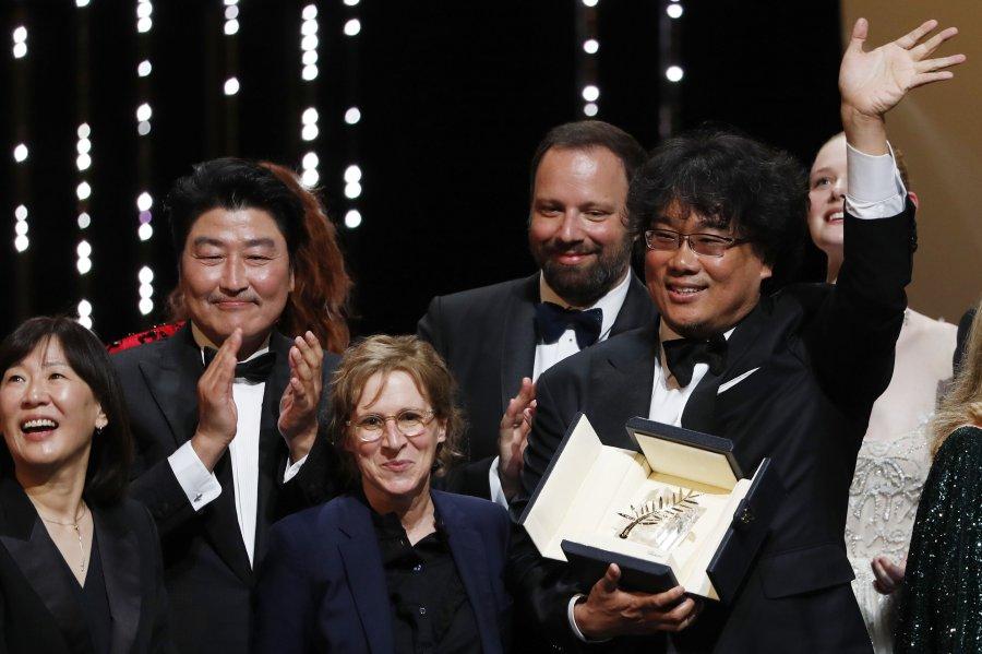"""Komedia e zezë e jug-koreanit fiton """"Palmën e Artë"""" në Kanë"""