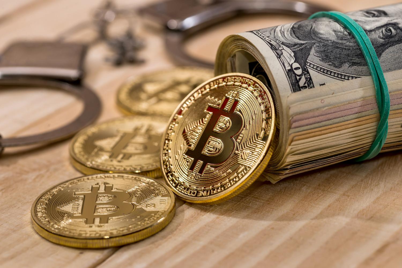 Momenti kur bankomati i Bitcoin lëshon një thes me para (Video)