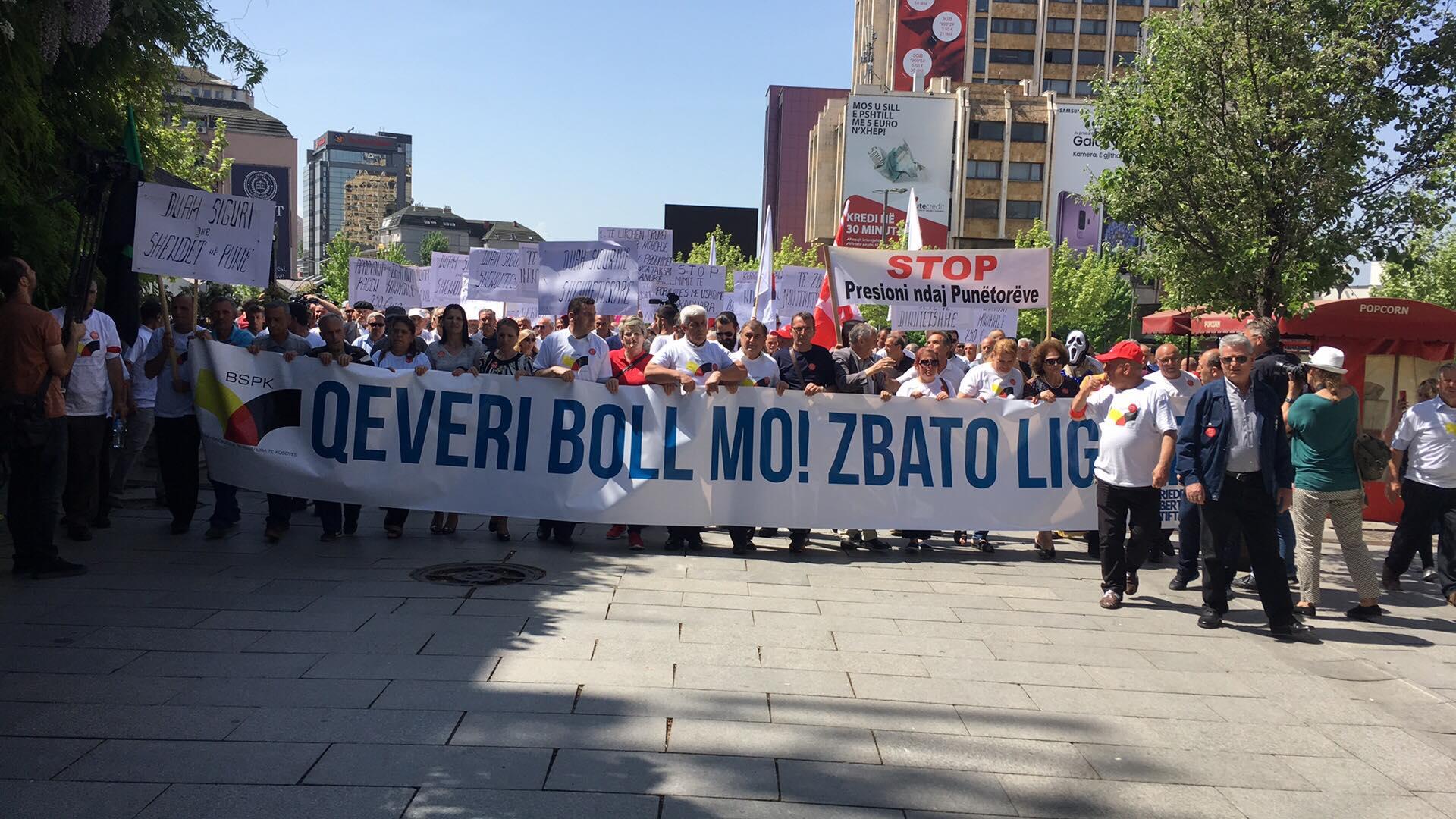 Protestohet kundër vdekjeve në vendin e punës dhe pagave të ulëta