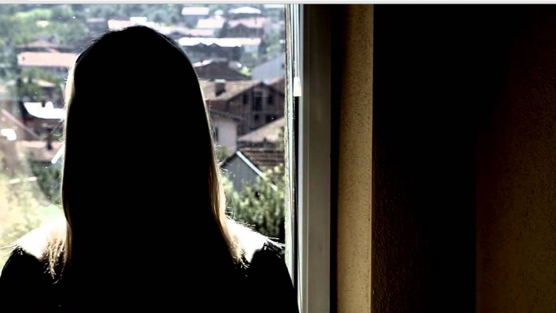 Avokati kërkon të arrestohet edhe nëna në rastin e vajzës që u abuzua nga babai