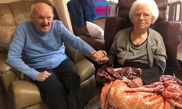 Festuan 79 vjetorin e martesës, çifti tregon sekretin për dashuri të përjetshme