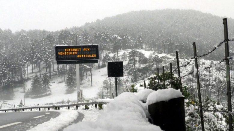 Mot i keq në Evropë, bie borë në Korsikë!