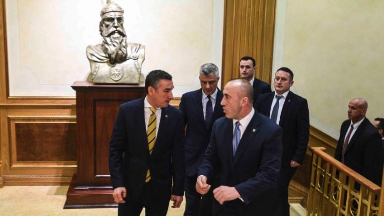 Më 1 korrik Parisi lë Kosovën pa asnjë lider shtetëror