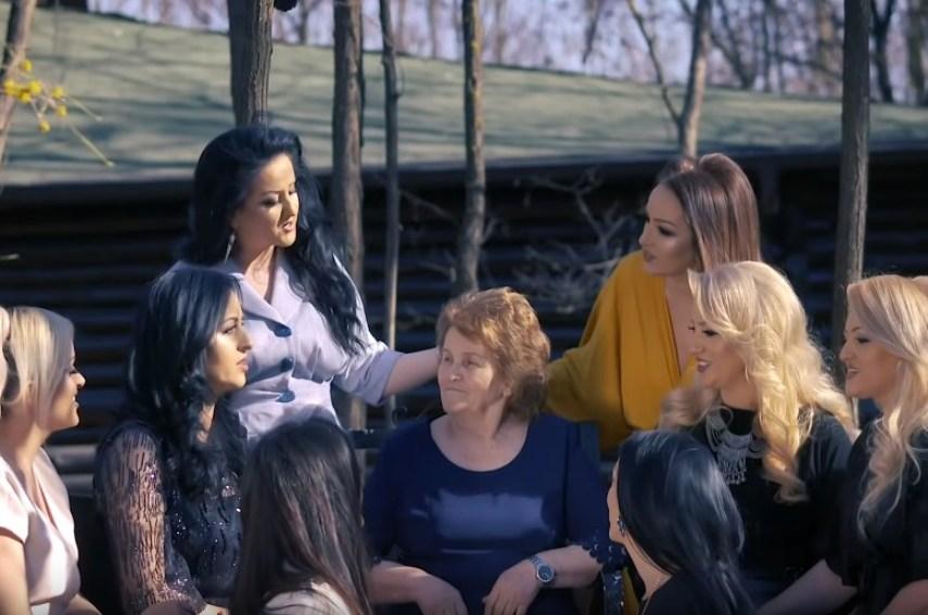 Pas suksesit të këngës për nënën, e vogla e Motrave Mustafa jep lajmin e madh