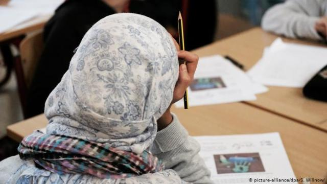 Austria ndalon me ligj shaminë për vajzat në shkollat fillore
