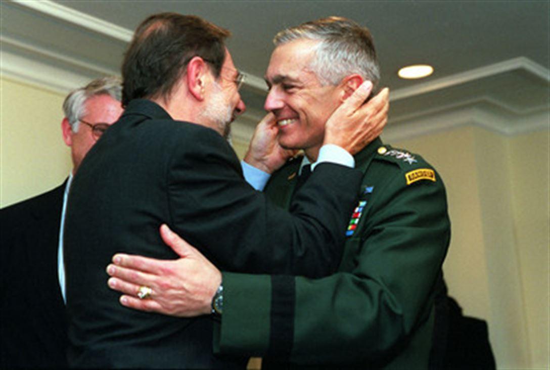 Gjenerali Clark zbulon bisedën me Solanën pasi rusët kishin arritur në Prishtinë