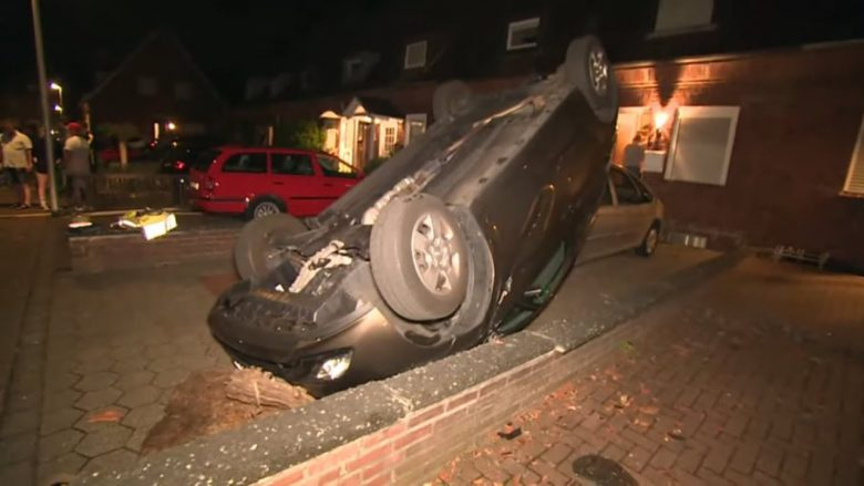 Makina të përmbysura, pemë të thyera, kjo është gjendja pasi një tornado goditi një pjesë të Gjermanisë (Video)