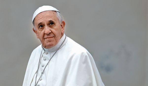 Papa Françeku punonte dikur si truproje në një klub nate