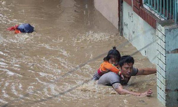 Mbi 40 të vdekur si pasojë e motit të keq në Nepal