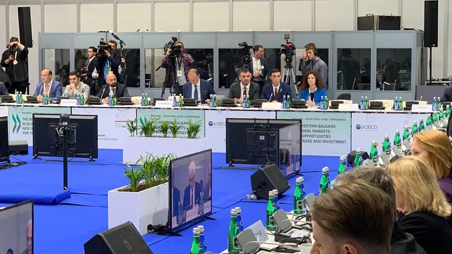 Ministri Shala nga Samiti i Ballkanit Perëndimor fton investitorët e huaj të investojnë në Kosovë