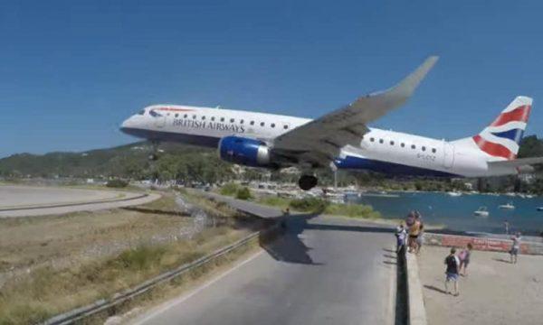 E tmerrshme, aeroplani gati sa nuk godet kokat e turistëve