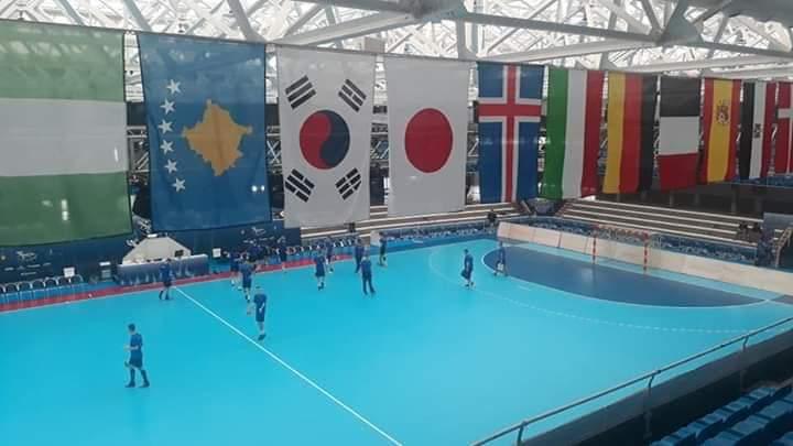 Flamuri i Kosovës krahas flamujve të shteteve tjera në kampionatin botëror të juniorëve