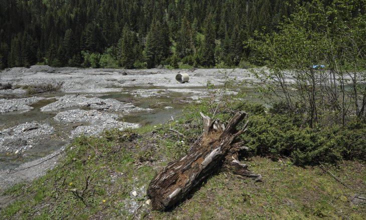 Protestë në Deçan kundër hidrocentraleve të paligjshme