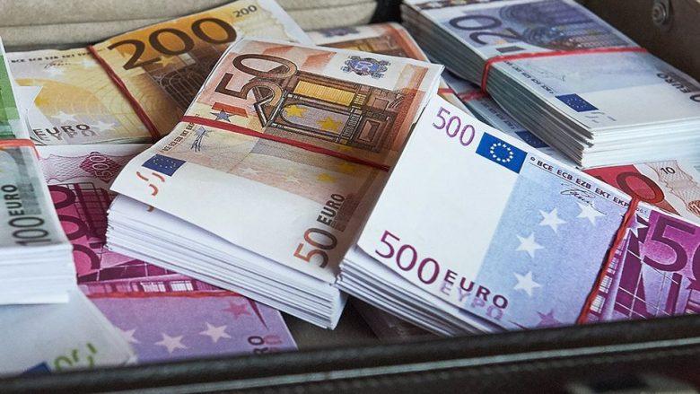 Këta janë deputetët dhe ish-deputetët me pasurinë më të madhe në Kosovë nga viti 2010 deri me tani