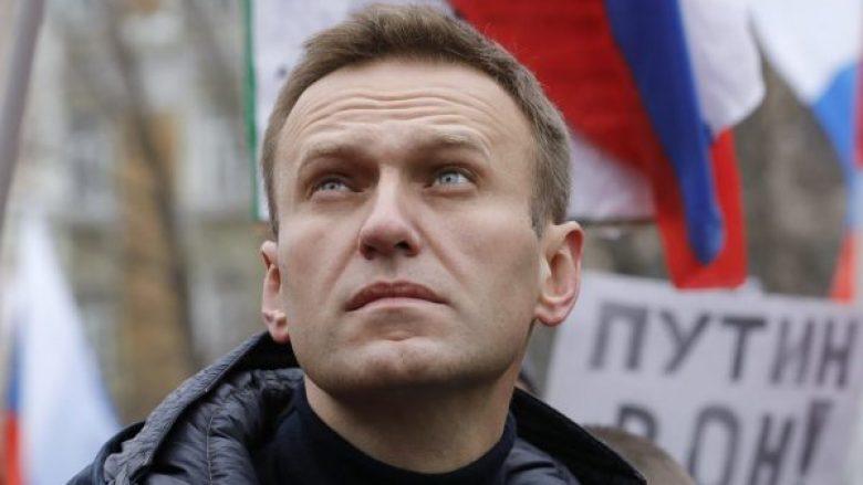 Lideri i opozitës ruse shtrohet në spital, dyshohet se është helmuar