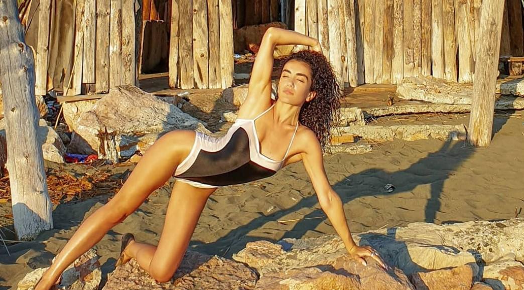 Aktorja e njohur shqiptare vjen me poza joshëse nga plazhi