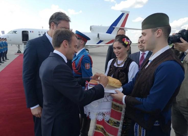 Macron nga Serbia: Duam të hapim një faqe të re