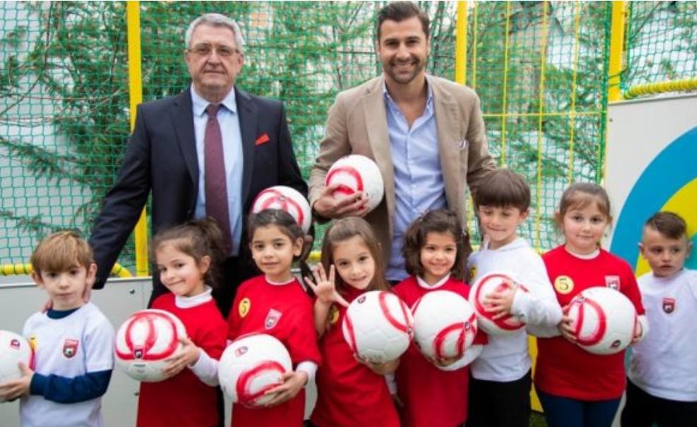 UEFA falënderon publikisht Lorik Canën
