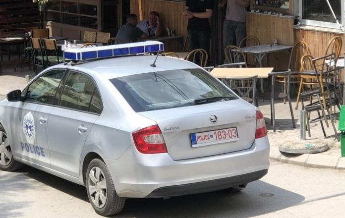Lëndohen dy zyrtarë policorë, vetaksidentohen me veturën zyrtare (VIDEO)