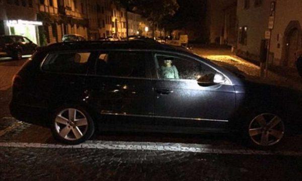 Nëna mbyll djalin 4 vjeç në veturë për ta ndëshkuar, dhe ja çfarë ndodhi