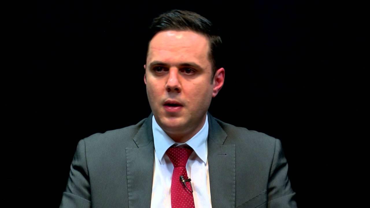 Abdixhiku: Test mocion para shtatorit, LDK'ja e VV'ja duhet ta marrin qeverinë