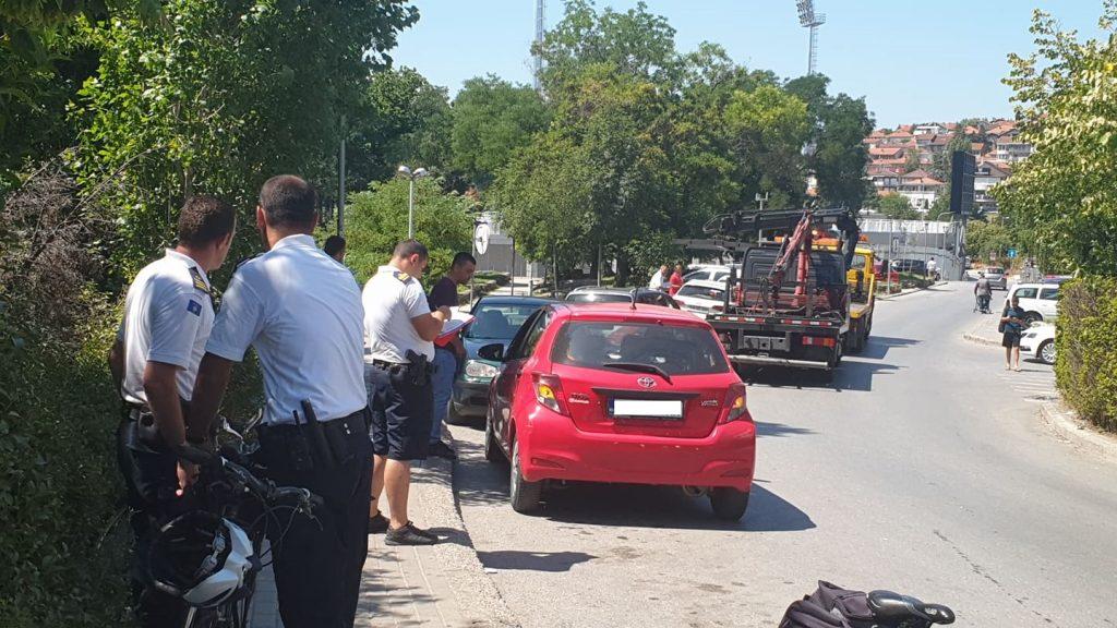 """""""Merimangat"""" konfiskojnë disa vetura në Prishtinë"""