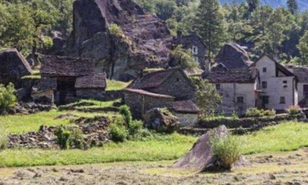 Një fshat në Zvicër nxjerr në shitje 9 shtëpi me çmim 1 frang