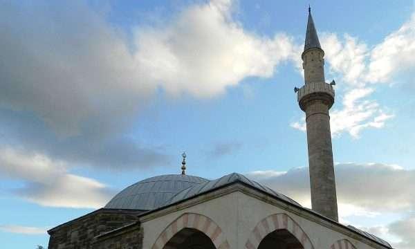 Arrestohet personi i dyshuar për vjedhjen e 95 eurove në xhami