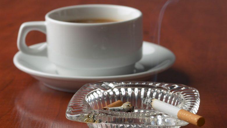 Për një vit konsumohen shtatë mijë tonë kafe dhe tre mijë tonë cigare në Kosovë
