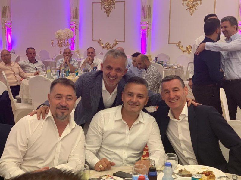 Humanisti, Halil Kastrati pajton Veselin e Lushtakun në dasmën e djalit të tij