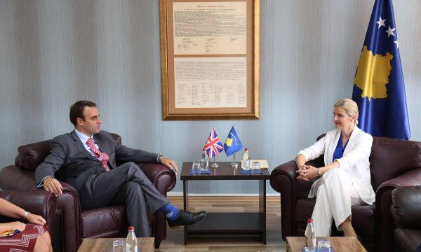 O'Connell përgënjeshtron ministren Hoxha: As që diskutuam për MSA-në