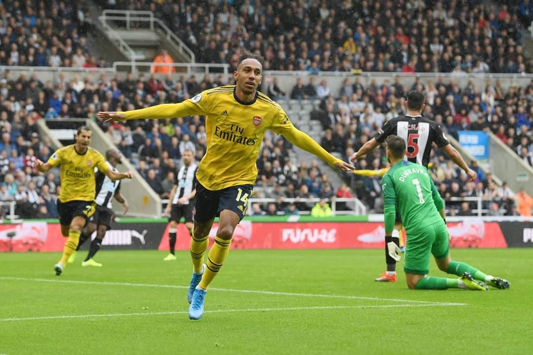Arsenali e nis me fitore minimale, mposht Newcastlen