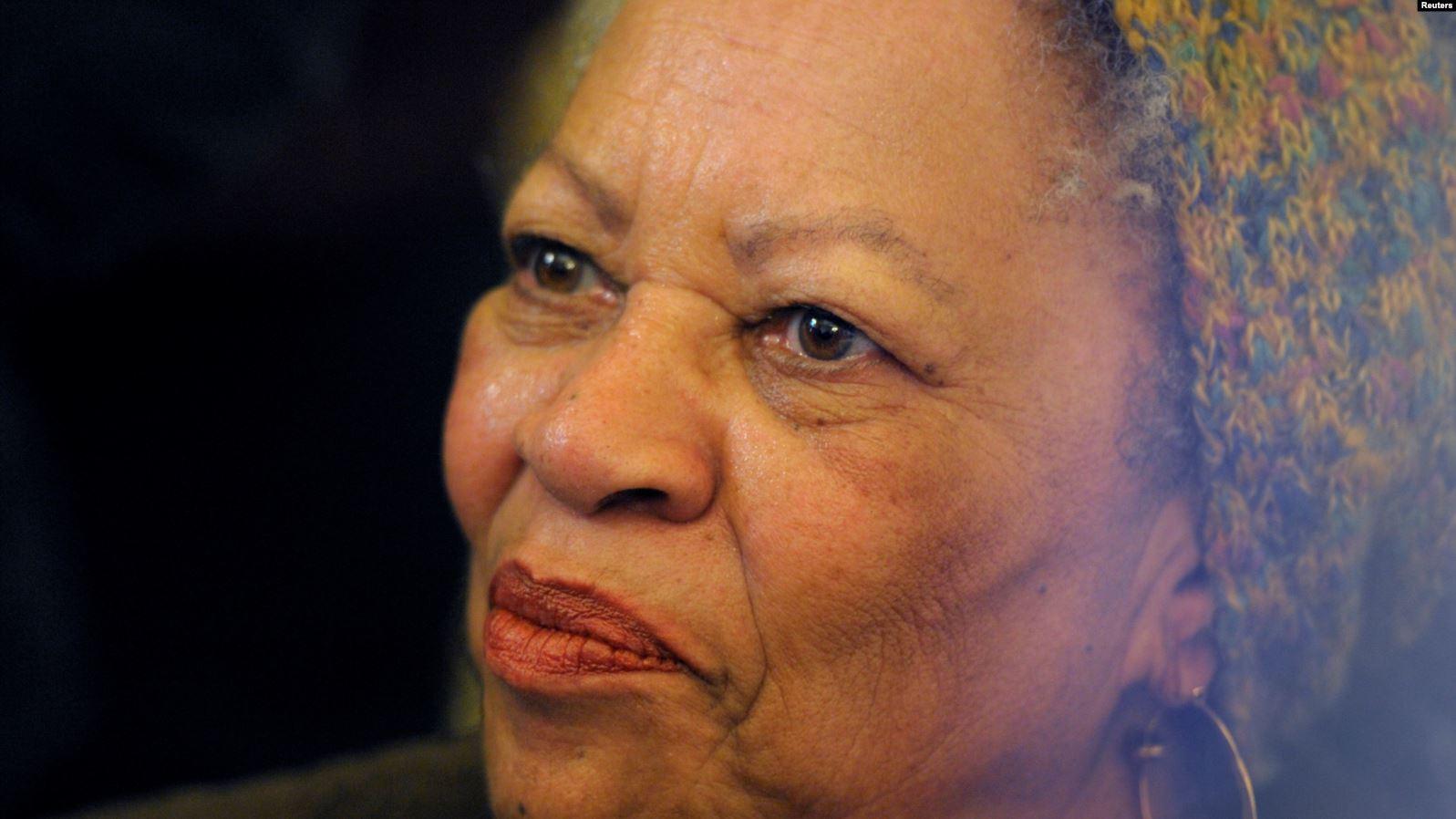 Shuhet Toni Morrison, fituese e Çmimit Nobel për Letërsi