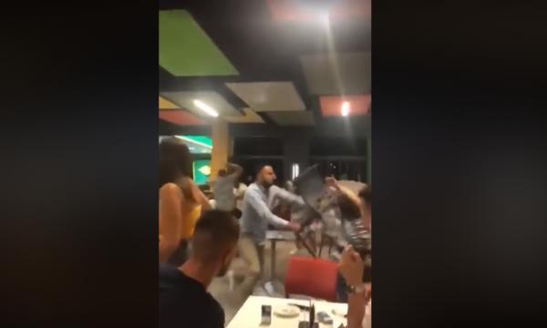 Dy grupe të rinjsh rrahen me karrige e tavolina në Gjilan