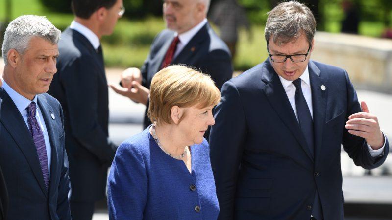 Merkel ultimatum Vuçiqit për çështjen e Kosovës