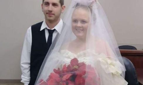Çifti vdesin disa minuta pas dasmës