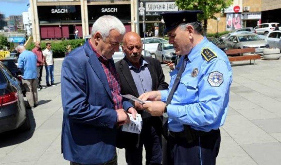 Policia shpërndan broshura për mbrojtje nga i nxehti