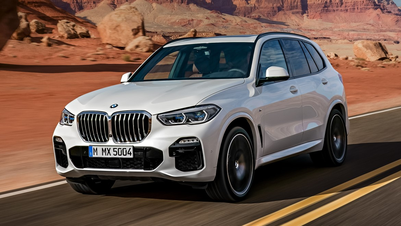 Mori dhuratë BMW në vend të Jaguarit, s'i pëlqeu e hodhi në lumë