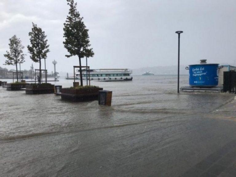 Përmbytet Stambolli, një person i vdekur