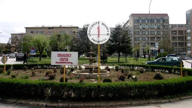 Specialistët stomatologë protestojnë para Qeverisë, shkaku papunësia