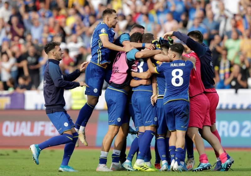 Kosova shënon gol në minutën e parë të ndeshjes kundër Anglisë