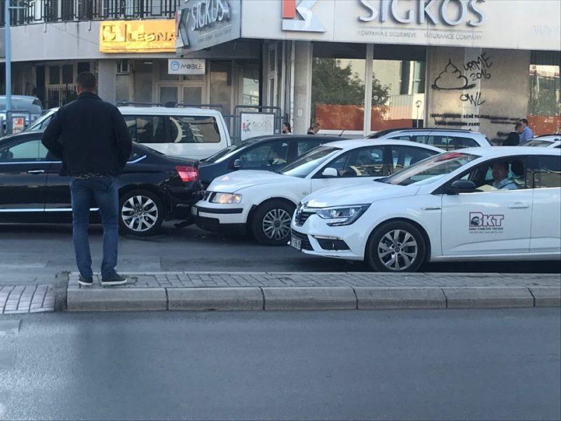 Aksident trafiku në qendër të Prishtinës